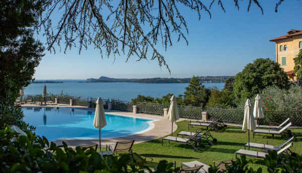 Historic Villas for Rent on Lake Garda