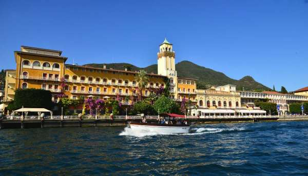 Itinerary 2 - Tour of Garda island (Isola del Garda) and Gardone Riviera